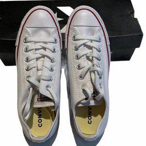 White Converse Chuck Taylor All-Star Size M7 W8.5